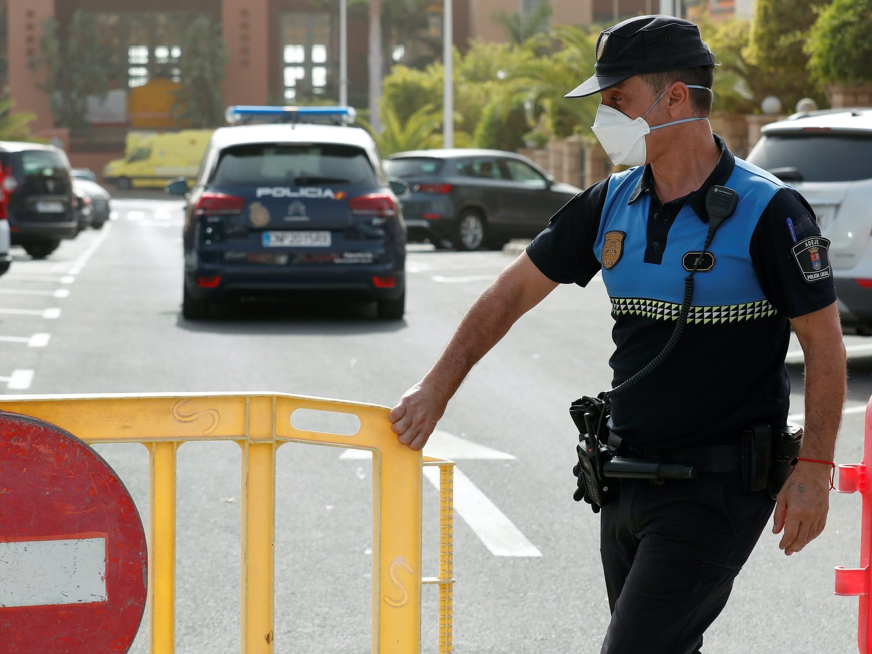 Canarias estudia empezar los desconfinamientos este mes de abril