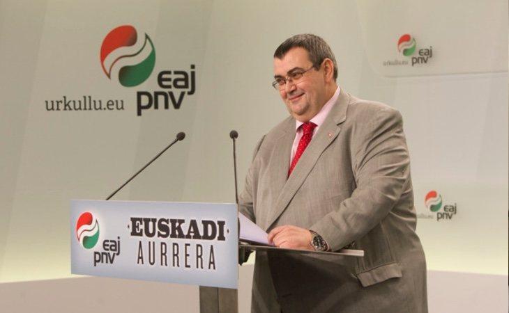 Koldo Mediavilla, responsable de Política Institucional del PNV, ha criticado duramente la renta mínima y a Unidas Podemos