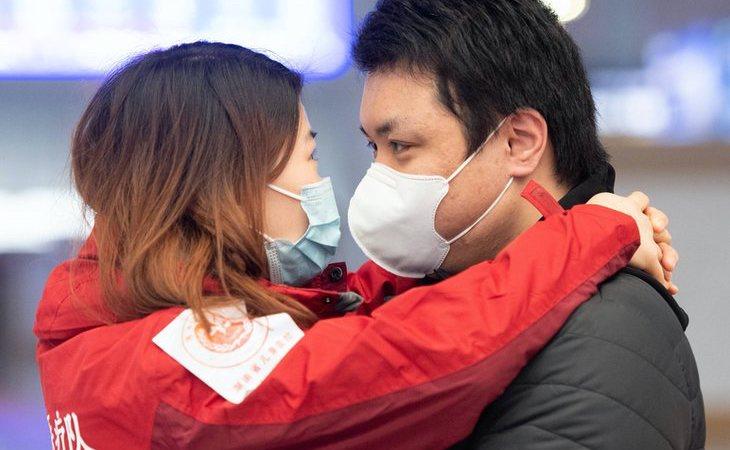 Mueren más hombres que mujeres por coronavirus