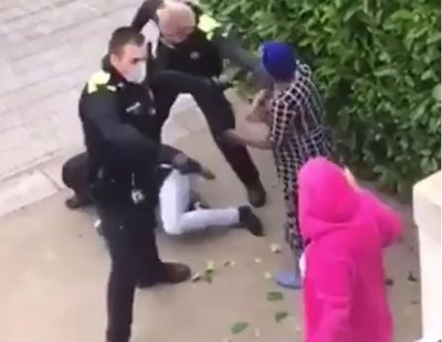 Suspendidos dos policías por agredir a jóvenes negros que no respetaban el confinamiento