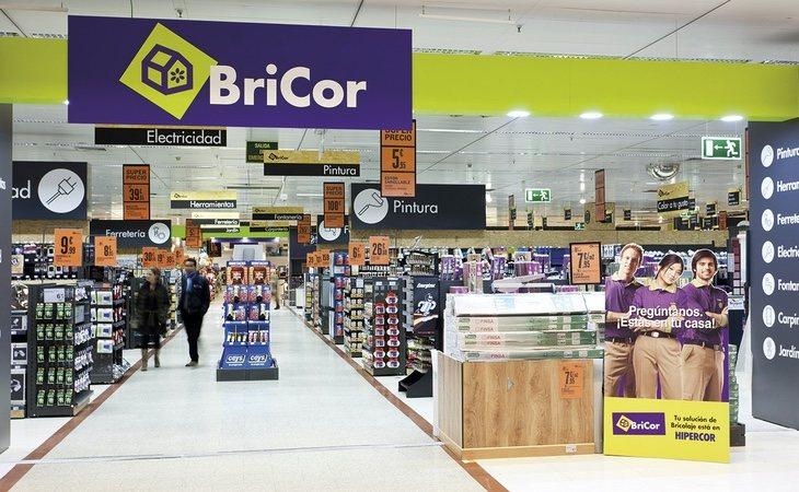 El último cierre de un establecimiento de Bricor ha reconvertido el edficio en un almacén de venta online