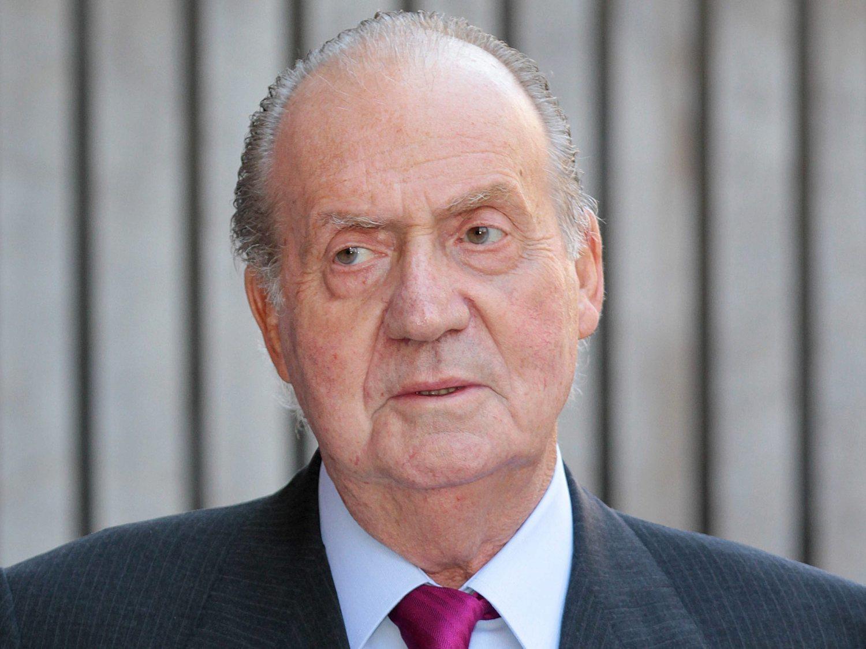 El rey Juan Carlos llevó a Suiza un maletín con 1,7 millones recibidos del sultán de Bahréin
