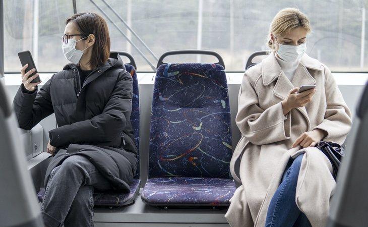 El Gobierno obligará a utilizar mascarillas en el transporte público a partir del próximo 4 de mayo