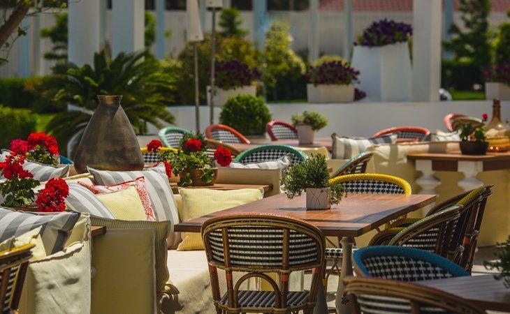 Las terrazas abren, sí, pero con distancias de dos metros entre mesas y un aforo del 30%