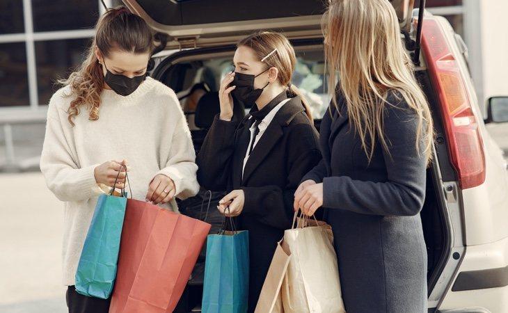 Las tiendas abrirán sin cita previa y se podrá quedar con amigos