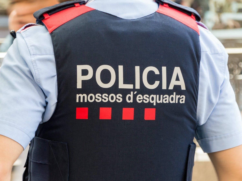 Detenido un hombre desnudo en plena calle de Barcelona acusado de una agresión sexual