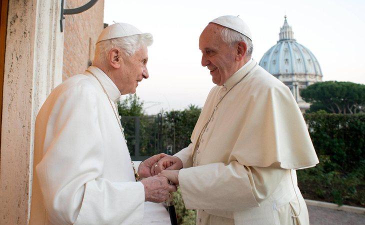Benedicto CVI y el papa Francisco