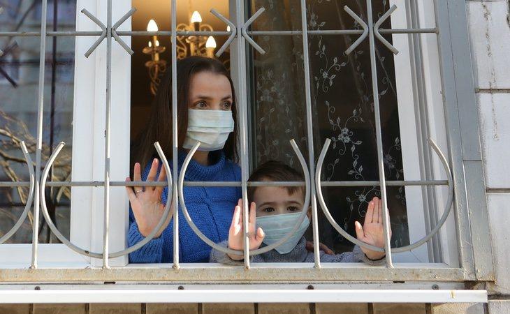 Tres médicos se han caído por la ventana de sus hospitales tras criticar la gestión del coronavirus llevada a cabo por el Kremlin