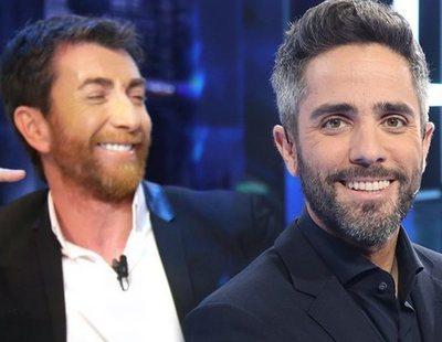 Críticas a Pablo Motos por cuestionar el acento andaluz de Roberto Leal en 'Pasapalabra'