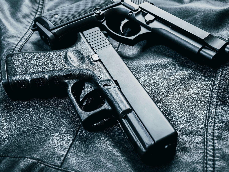 Asesinan a tiros a un guardia de seguridad en Michigan por pedir el uso de mascarilla en una tienda