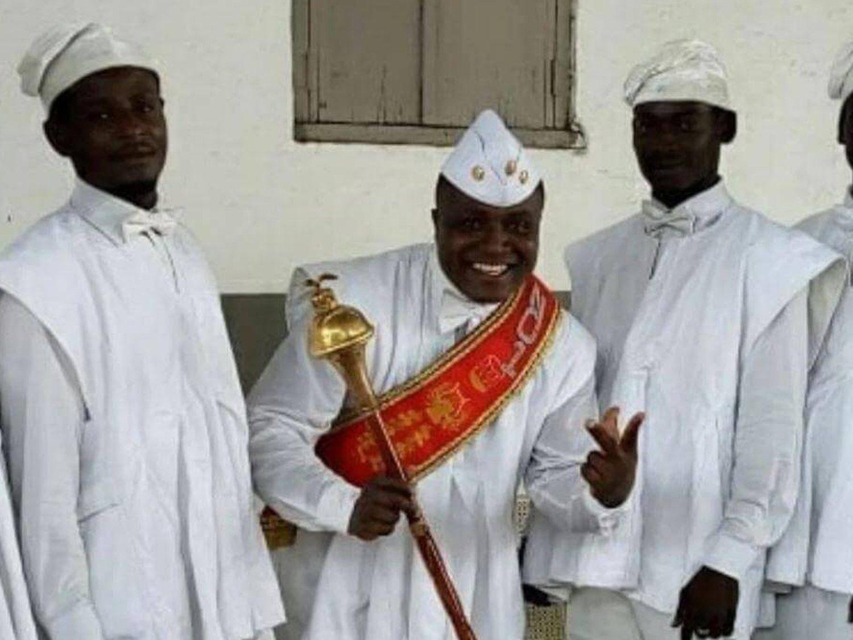Los africanos del meme del ataúd mandan un mensaje a la población por el coronavirus