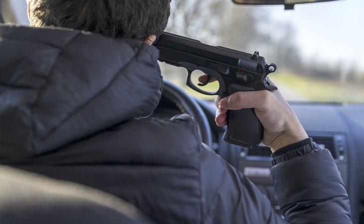 El joven se encuentra ingresado en estado grave tras reunirse para 'jugar' a la ruleta rusa
