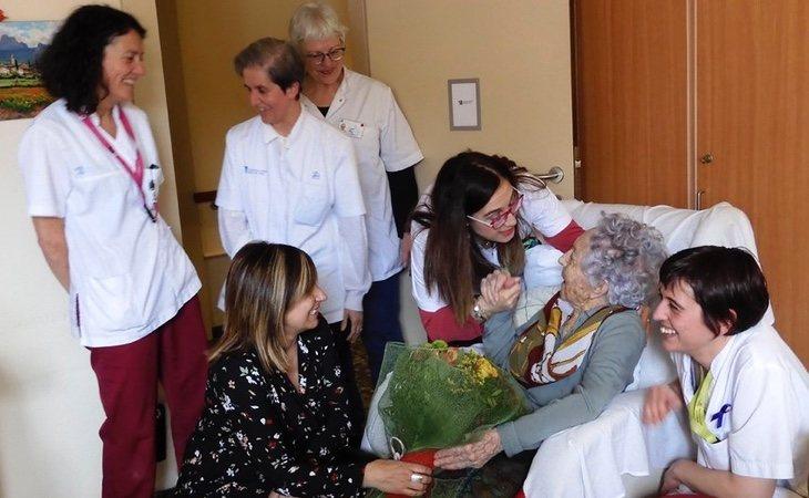 María Branyas, durante la fiesta de su 113º cumpleaños