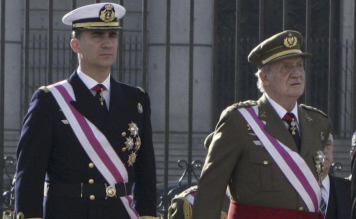 El temor en la Familia Real: que Felipe VI y toda la monarquía puedan achicharrarse en los escándalos de Juan Carlos