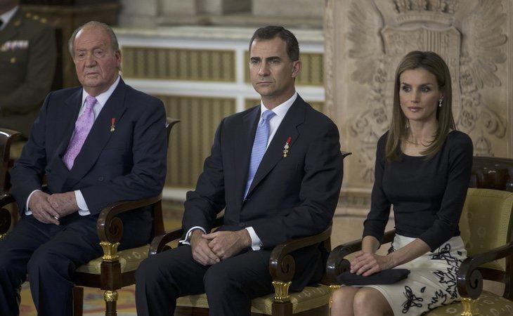 La imagen del rey se encuentra muy lejos de su época dorada, hasta el punto de que ahora supone un problema de reputación para la monarquía