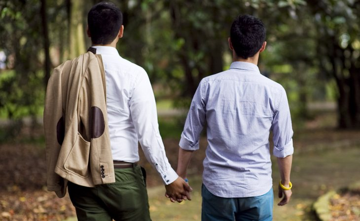 Muchas personas LGTBI tratan de ocultarse en público por miedo