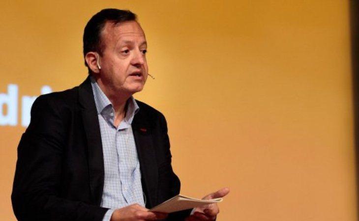 Alberto Reyero, consejero de Políticas Sociales, fue defenestrado tras intentar investigar lo sucedido en las residencias: el contrato de Ayuso ha sido publicado por su consejería