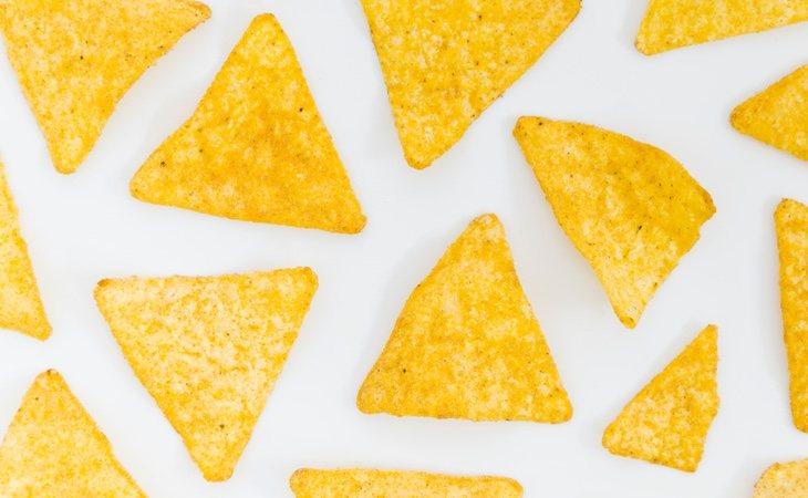 La receta para elaborar nachos en casa es muy sencilla y nos ayuda a comer de una manera mucho más saludable