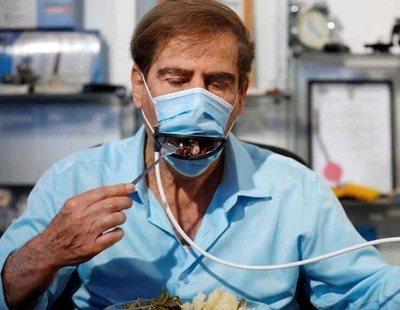 Mascarillas con boca mecánica: el último invento que veremos en bares y restaurantes