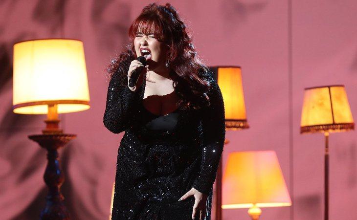 Ariadna Tortosa, sobre el escenario de 'OT 2020' cantando su primer single, 'Al santo equivocado'