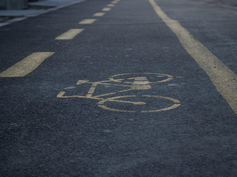 Brutal asesinato de un joven en plena calle para robarle la bicicleta mientras iba a trabajar