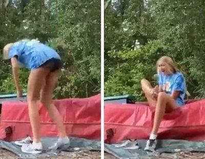 El impactante momento en el que una serpientes muerde a una cheerleader que entrenaba
