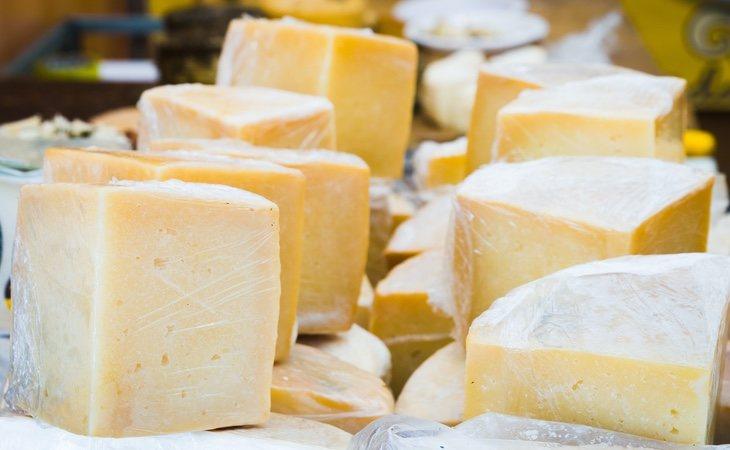 El queso de cabra naturalmente enriquecido se ha mostrado como un alimento con grandes propiedades nutricionales