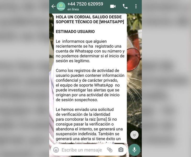 Este es el mensaje que están recibiendo las víctimas de esta estafa y uno de los números de teléfono desde los que se está enviando