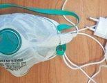 Inventan una mascarilla reutilizable que se desinfecta con el cargador de tu móvil
