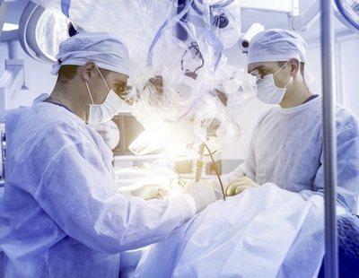 """Un joven italiano con los pulmones """"quemados"""" por el coronavirus, salvado por un transplante"""
