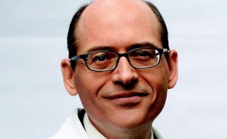 El doctor Greger pide extremar las precauciones en la industria alimentaria y eliminar las crías intensivas