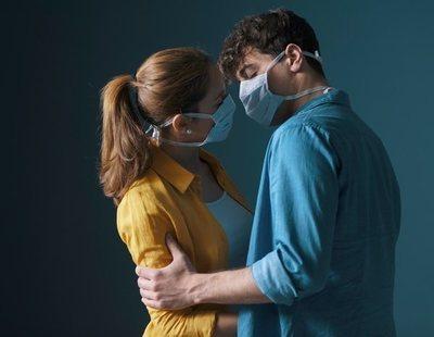 Un estudio de Harvard aconseja utilizar mascarillas en las relaciones sexuales