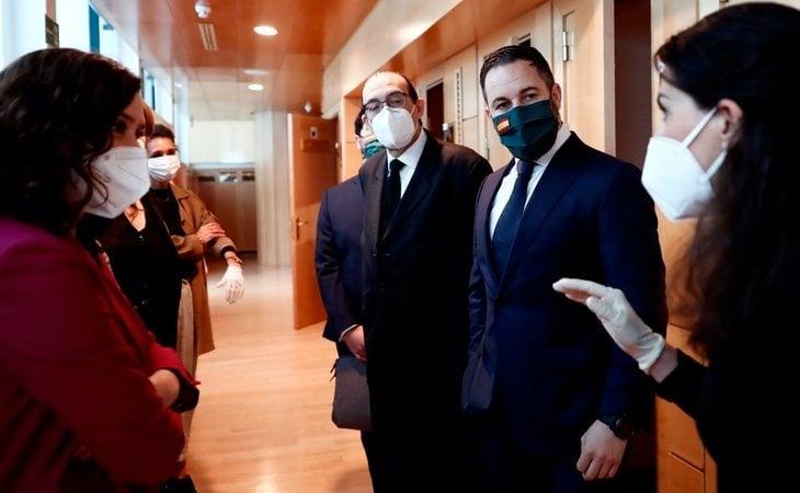 La reunión de Ayuso con VOX en los pasillos de la Asamblea despertó el ruido de un adelanto electoral