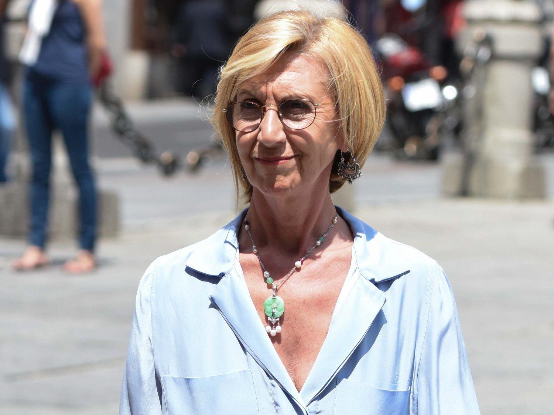 Rosa Díez demanda a todo el Gobierno y Fernando Simón por las mascarillas