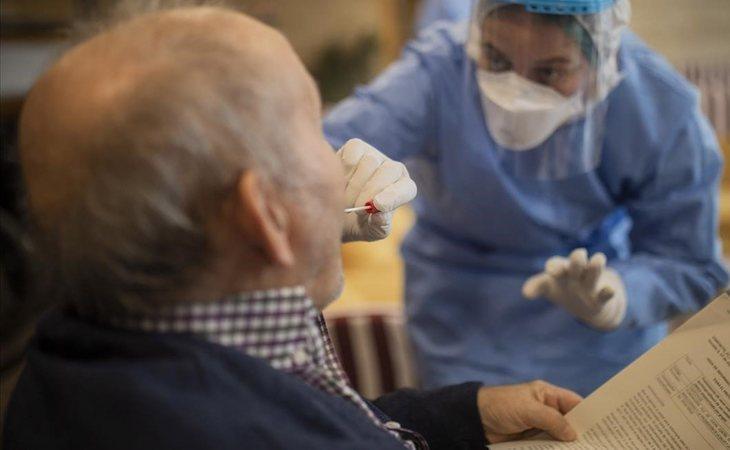 Los ancianos, los grandes perjudicados por la Comunidad de Madrid durante la pandemia del coronavirus