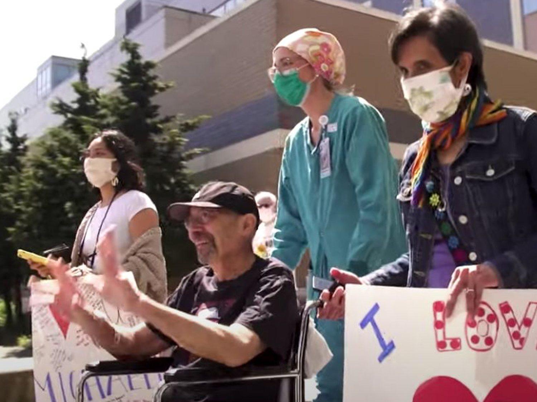 Un paciente de coronavirus en EEUU recibe una factura de 1,1 millones de dólares al salir del hospital