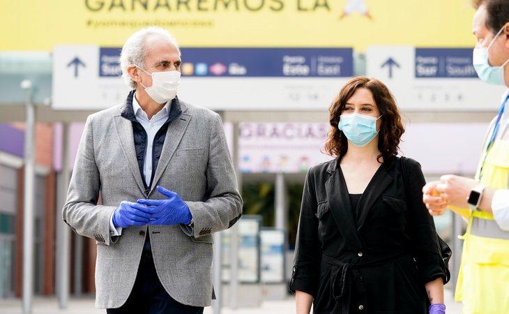 Díaz Ayuso junto a su consejero de Sanidad, Enrique Ruiz Escudero