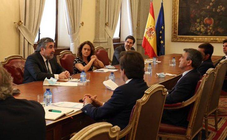El ministro de Cultura, José Manuel Rodríguez Uribes, durante su reunión con el sector taurino