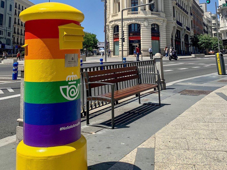 Desmontando la homofobia contra la campaña de Correos: una de sus publicidades más rentables