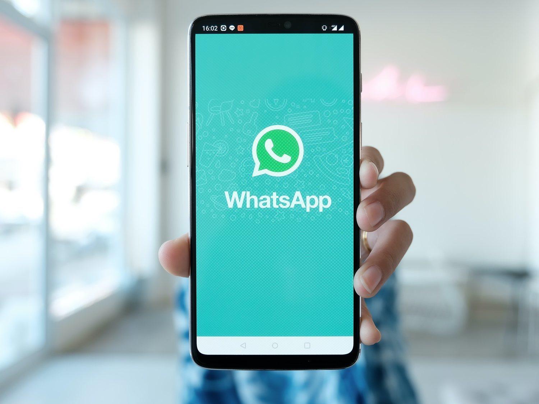 Recupera contactos perdidos en WhatsApp con este truco