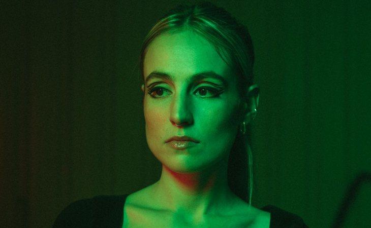 'Sintiéndolo mucho' es el primer EP de María Escarmiento