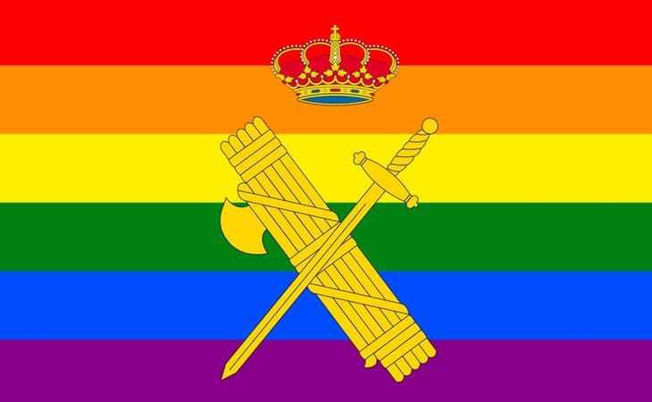 La Guardia Civil ha apollado el Orgullo LGTBI decorando su escudo con los colores del arcoiris