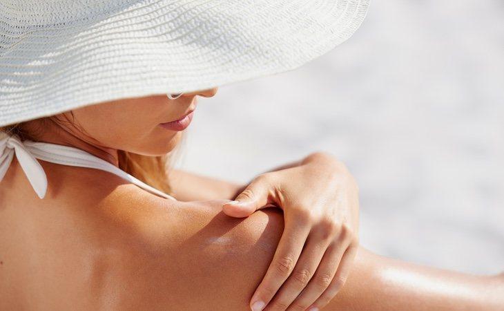 La OCU ha analizado 35 productos de cremas solares vendidas en supermercados