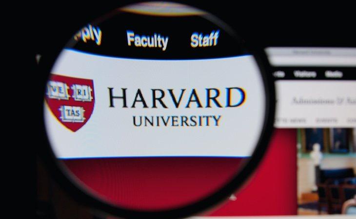 Algunas universidades como Harvard habían contemplado un modelo completo online y ahora se ven obligadas a revisar su apuesta