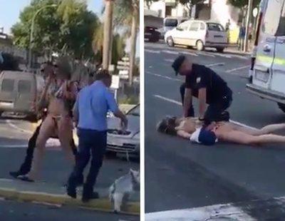 Detenida en Lepe tras estampar su coche, bailar y enfrentarse en bikini contra la policía