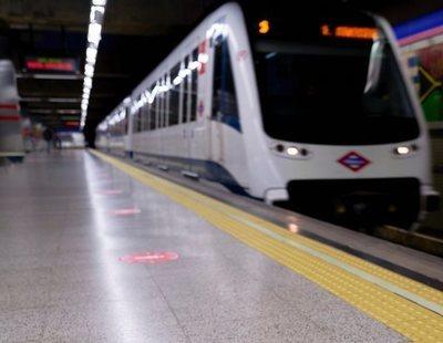 Un hombre intenta tirar a las vías del Metro a un vigilante por pedirle que se pusiera la mascarilla