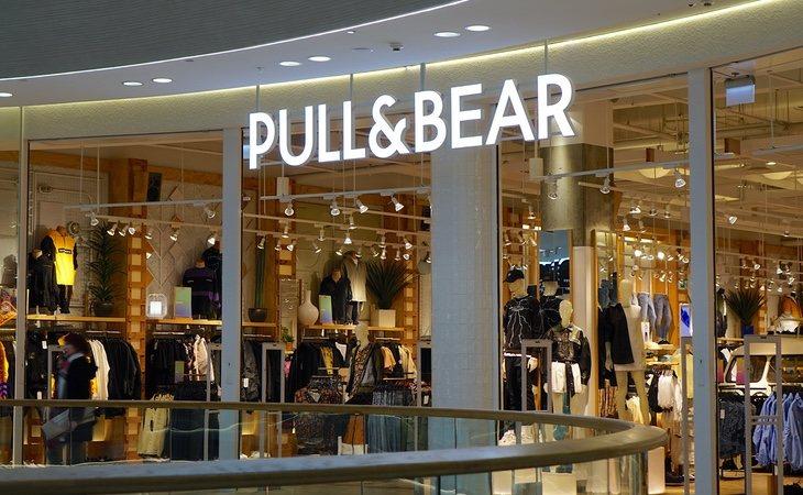 Pull&Bear también permite entregar el currículum en sus tiendas