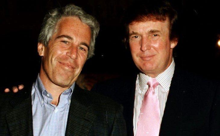 Epstein, en compañía de Donald Trump