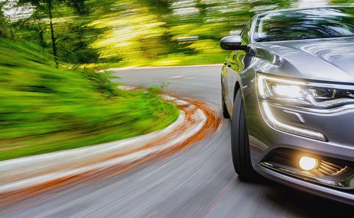 La DGT puede multar con hasta 200 euros por conducir con el carné caducado