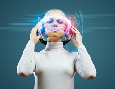 ¿Adiós a los cascos? El plan de Elon Musk para escuchar música directamente en el cerebro